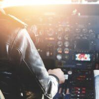 кабина пилота в самолете