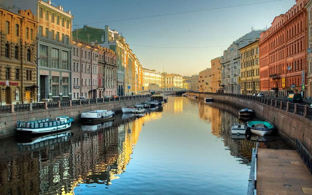 Санкт-Петербург 6114 отелей