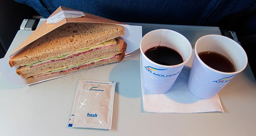 авиакомпания Эйр Молдова еда на борту