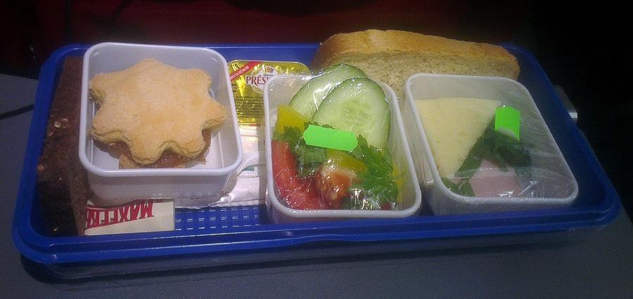авиакомпания Ред Вингз еда на борту