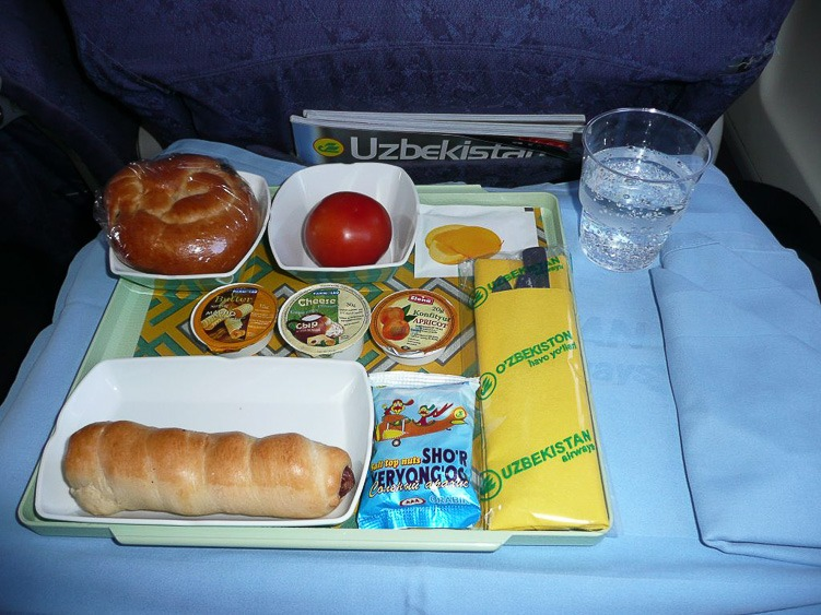 авиакомпания Узбекистан эйрвейз еда на борту